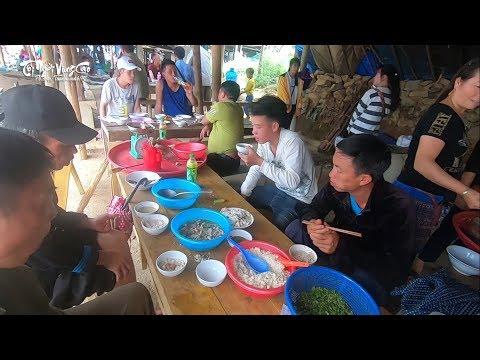 Những bữa cơm hết sức giản dị tại chợ vùng cao Cán Cấu - Lào Cai