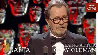 Video Gary Oldman wins Leading Actor BAFTA - The British Academy Film Awards: 2018 - BBC One MP3, 3GP, MP4, WEBM, AVI, FLV April 2018