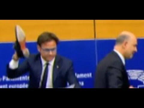 Italienischer Europaabgeordneter mit Schuh-Protest ge ...