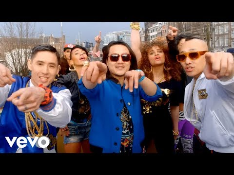 Far East Movement feat. Justin Bieber – Live My Life