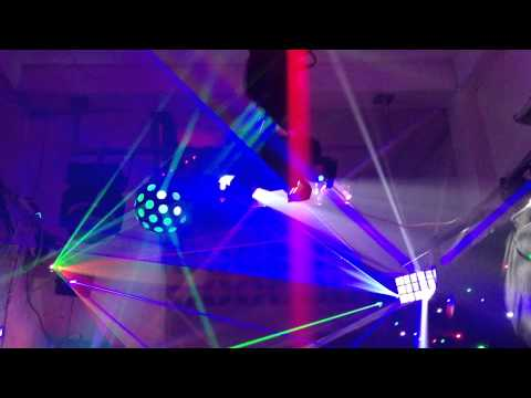 Đèn Kim tự tháp 4 cửa trang trí trung tâm DJ