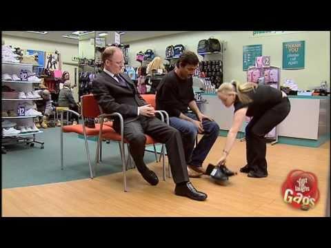 Man With Women's Shoe Fetish (видео)
