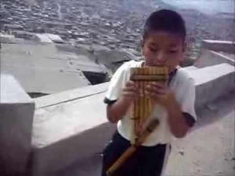 EL CÓNDOR PASA-Niño músico peruano,premiado por UNICEF en Iguazú en Concierto 2013,en ARGENTINA