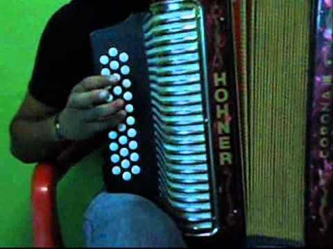 aprender a tocar acordeon - Sígueme: TWITTER: http://www.twitter.com/keinertorres FACEBOOK: http://www.facebook.com/KeinerTorresOfficial.