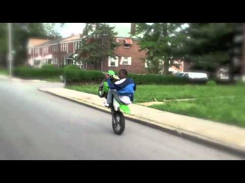 wheelie - Un Rodéo Dans La Ville De Baltimore City En Cross Et Quad 4 Temps Et 2 Temps new video/ NOUVELLE VIDEO http://www.youtube.com/watch?v=afNafCJRQRc&feature=g-upl.