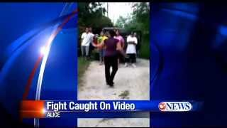Alice (TX) United States  city photo : Alice TX~Police Investigate Teen Fight Caught on Video