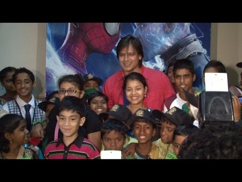 Vivek Attends Amazing SpiderMan 2 Screening For Cancer Patients