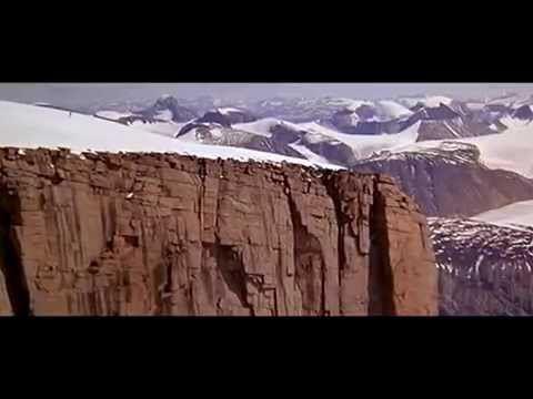 James Bond Stunts - Rick Sylvester 'Off the Ledge' / The Spy Who Loved Me