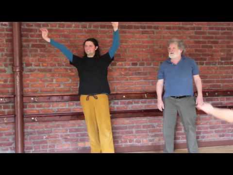Контактная импровизация: базовые движения. Видео обучение.