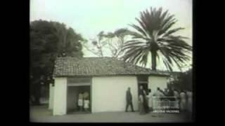 inaugura monumento em homenagem ao centenário do romance Iracema, de José de Alencar, visita a casa restaurada do escritore e recebe o título de Doutor Honoris Causa da Universidade Federal.