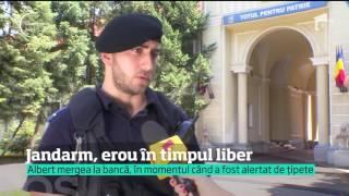 Vezi jurnalul de știri pe Antena Play: http://goo.gl/QchGDs Un jandarm este văzut ca un erou, de colegii lui, după ce a prins un hoţ...