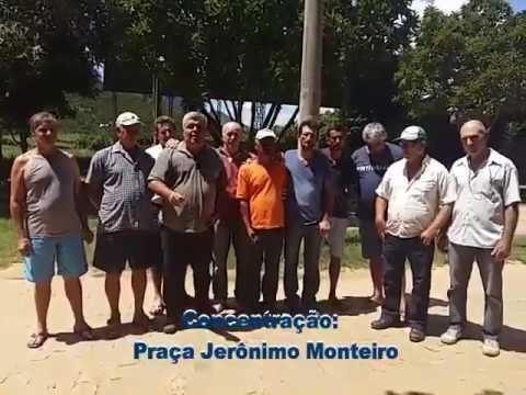 Agricultores fazem protesto na Praça Jerônimo Monteiro