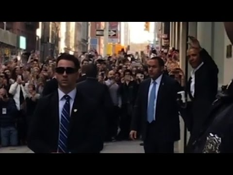Crowds flock to Obama in NYC (видео)