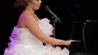 Download Lagu Linda Leen - LOVE FICTION (LIVE @ Daile's Theatre, 04.12.2011) HD Mp3