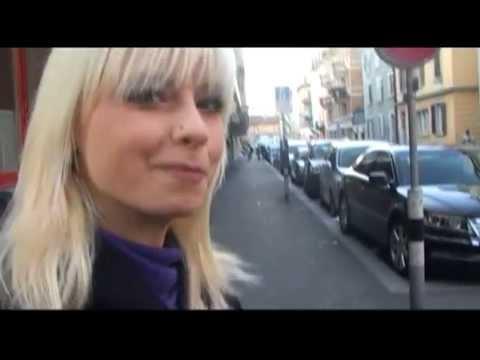 Mia Magma besucht das Sexkino Roland in Zürich (видео)