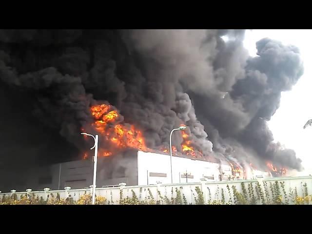 Video cháy nhà máy Mobase Yên Phong, Bắc Ninh ngày 05/01/2014