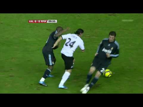 Ever Banega contra el Real Madrid
