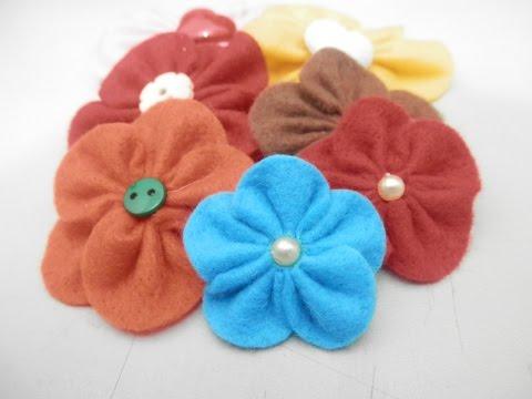 come creare dei fiorellini in feltro