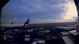 JFK AIRPORT NYC in timelapse
