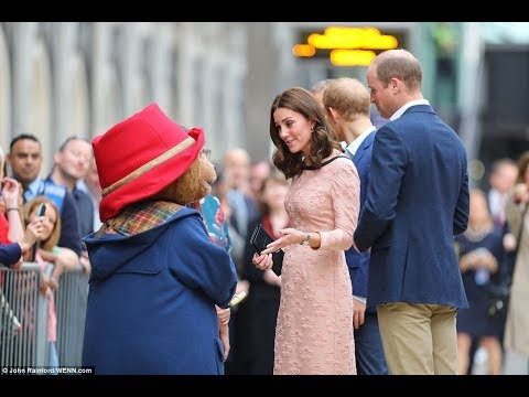 Pregnant Kate Middleton displays a New hairstyle && Dance With Tady Bear in London