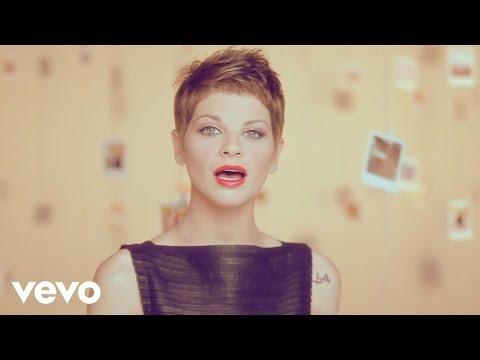 Alessandra Amoroso: Grito y no mw escuchas