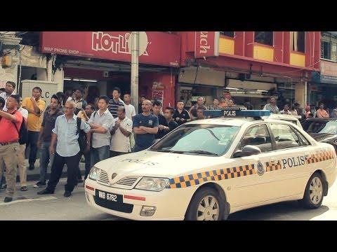 大马红人Red People街上大胆跳舞 公然挑战警方!