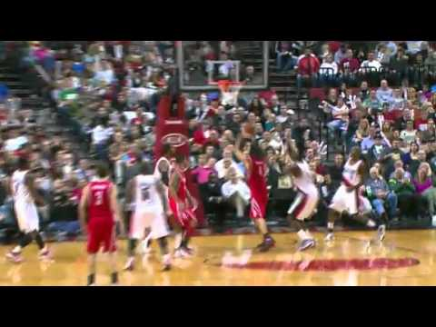 JJ Hickson erases Luis Scola's shot attempt