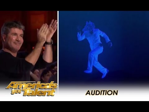 The Most AMAZING Multimedia Act Gets A Simon Cowell Standing Ovation!   America's Got Talent 2018