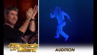 Download Video The Most AMAZING Multimedia Act Gets A Simon Cowell Standing Ovation! | America's Got Talent 2018 MP3 3GP MP4