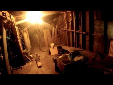 這名網友在家用了9年時間挖了地下室,而用的工具卻是一些玩具車...