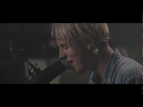 Tom Odell - Can't Pretend (at Dean Street Studios) (видео)