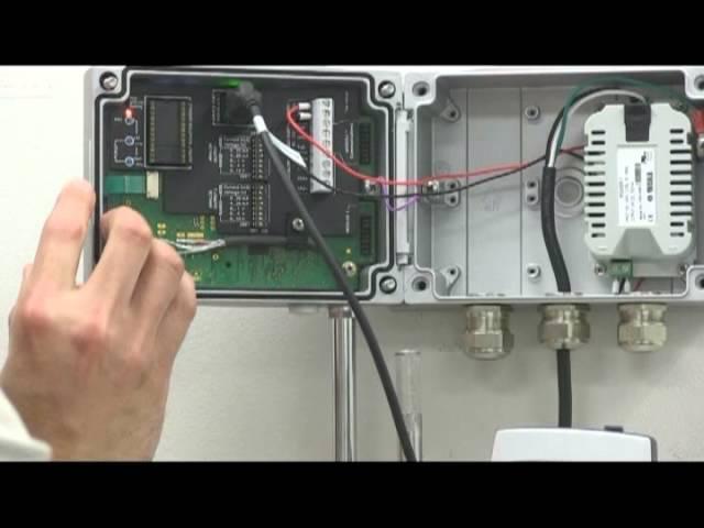 HM70_Ruční přístroj pro měření vlhkosti a teploty se standardní sondou HMP75