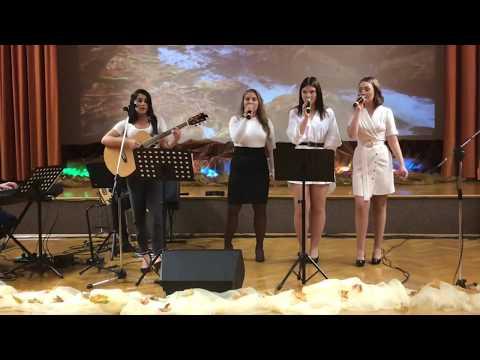 Wideo1: Dzień Edukacji Narodowej w Górze - Bella Ciao w wykonaniu zespołu Na raz