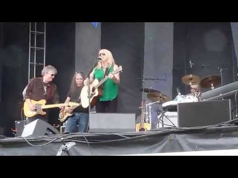 Pegi Young and the Survivors