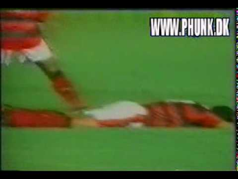 Funny - Sports Bloopers - Soccer Fight.mpeg