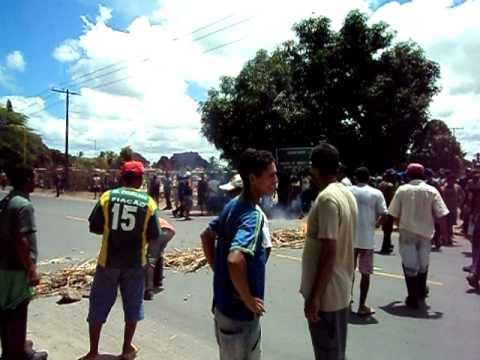 Trabalhadores  da Usina Paisa interditam Rodovia em Penedo