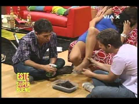 Simoney Romero - juego del Toca Pies en SB