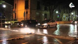 Les fortes plujes d'ahir a la nit van provocar un espectacle d'aigua a la part baixa de la riera.