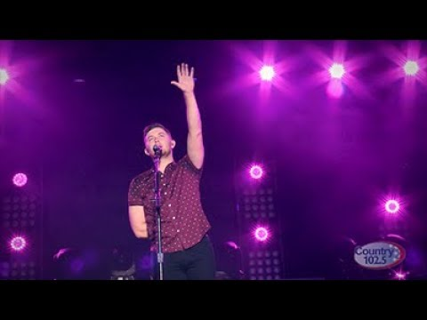 Video Scotty McCreery - Five More Minutes (Live) download in MP3, 3GP, MP4, WEBM, AVI, FLV January 2017