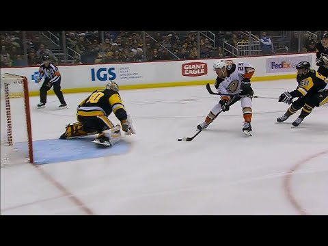 Video: Ducks' Kase gifted breakaway goal after Letang turnover