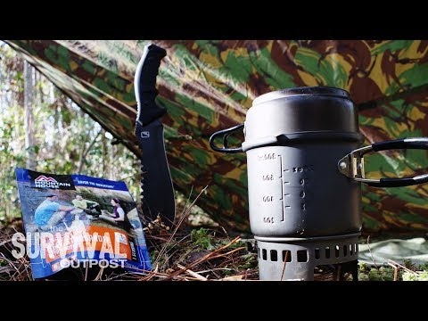 Florida Survival - Tarp Shelter and Lunch in the Pine Forest