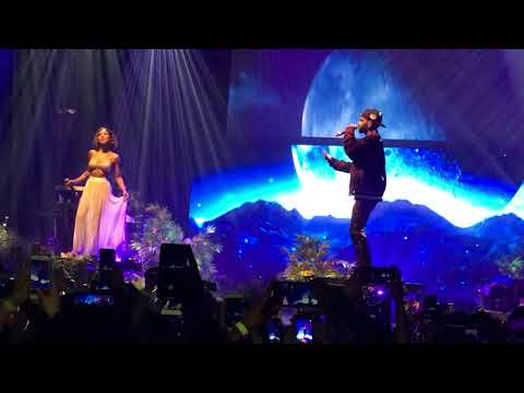 "Jhené Aiko Brings Out Big Sean to Perform ""Moments"" 