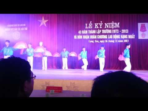 Múa quạt Việt Nam quê hương tôi (Học sinh Nam)