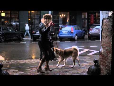 Przedziwny widok - Rafalala z psem na spacerze
