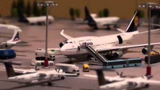 Video Boarding a Jumbo 747 and an Airbus A380 Ready for Take off in HD MP3, 3GP, MP4, WEBM, AVI, FLV Juni 2018