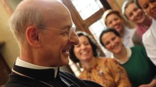 "Mons. Fernando Okariss: ""Priecīgi cerībā"""