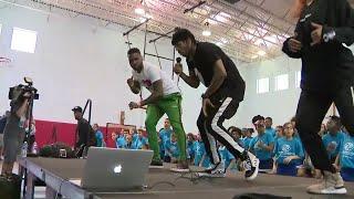 Video Jason Derulo teaches Broward children choreography to new single 'Colors' MP3, 3GP, MP4, WEBM, AVI, FLV Maret 2018