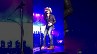 Justin Moore -