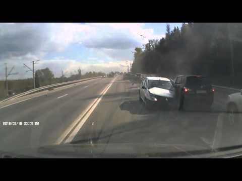 Авария в Москве  на Дмитриевском Шоссе