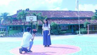 Video ANTARA AKU DIA DAN MEREKA short movie SMA NEGERI 4 Metro Lampung MP3, 3GP, MP4, WEBM, AVI, FLV Oktober 2018